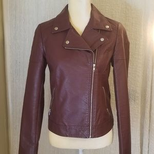 Super cute leather jacket